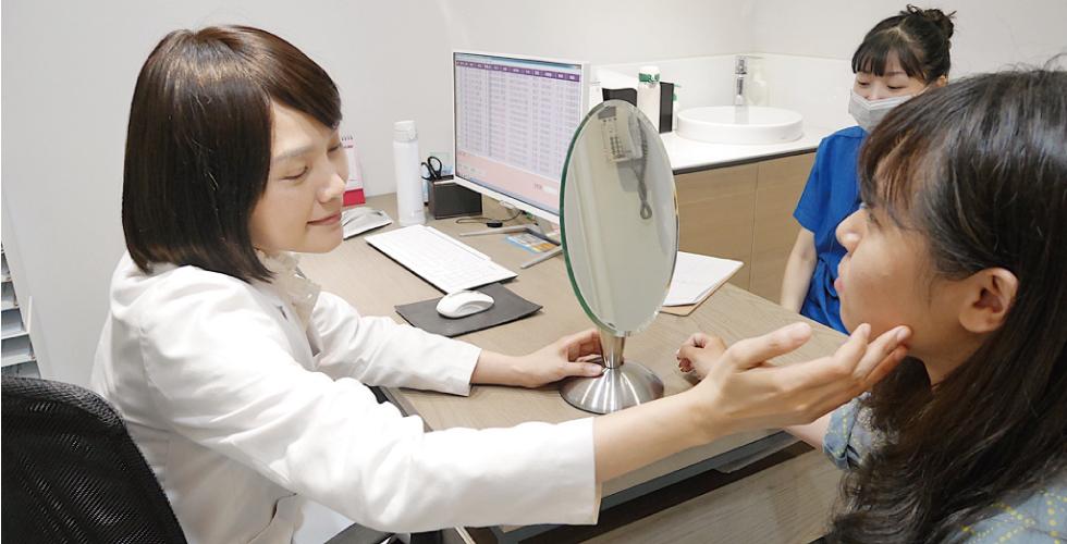 和陳清筠醫師諮詢中,仔細地評估很親切又有耐心!